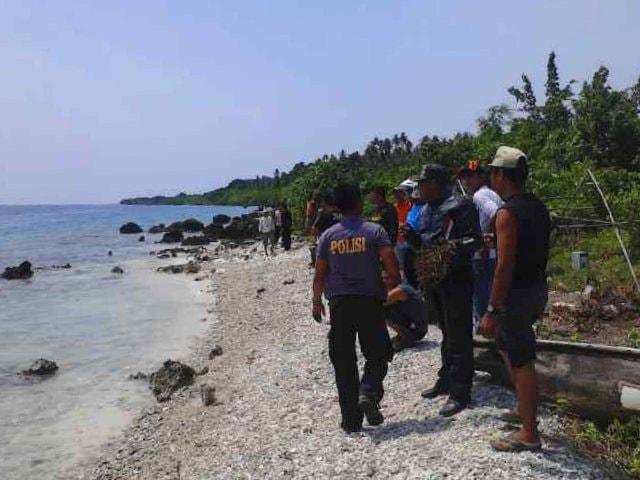 Pencari Siput Laut Hilang di Pulau Te'u, Toyolawa
