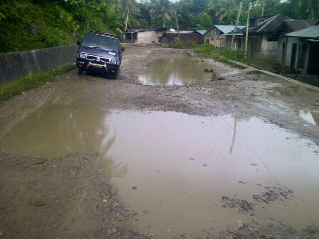 Jalan Menuju Mbombo Aukhu Rusak