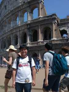 Bangun Colosseo tempat pertarungan para gladiator - Photo Oleh Postinus Gulö
