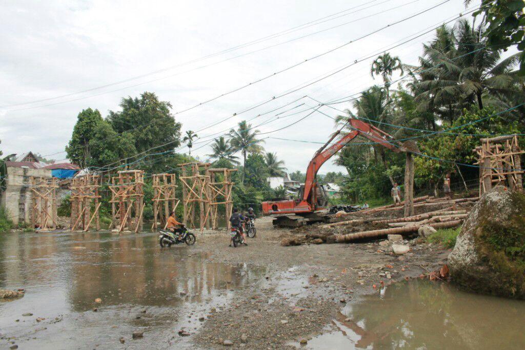 Terhenti 2 Tahun, Pembangunan Jembatan Gomo Kembali Dilanjutkan