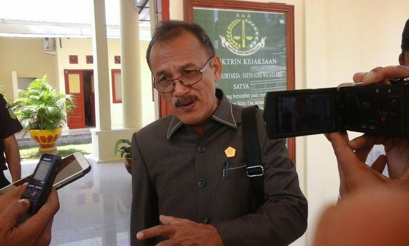 Ketua DPRD Nias Selatan: Anggaran Pakaian Dinas Selalu Diuangkan Sekwan