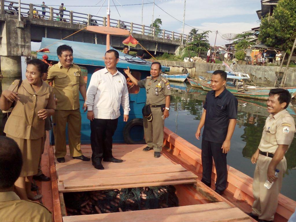 Tingkatkan Hasil Tangkapan Nelayan, Pemkot Gunungsitoli Bagikan Alat Tangkap Ikan