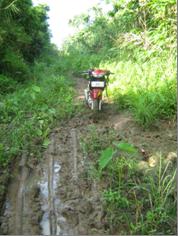 Jl Sindrondro-Tagaule. Foto tahun 2011. Kini sudah dapat dilalui kendaraan roda empat. Domuken Onlyhu Ndraha.