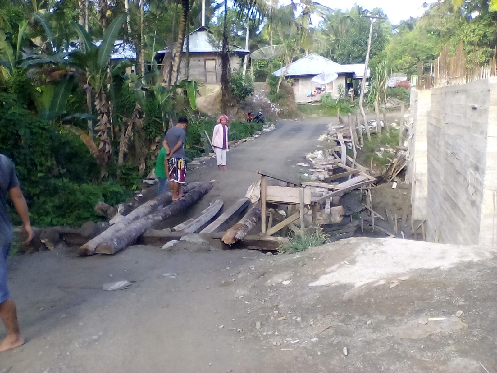 Warga Pertanyakan Pengerjaan Jembatan Saono di Lahömi