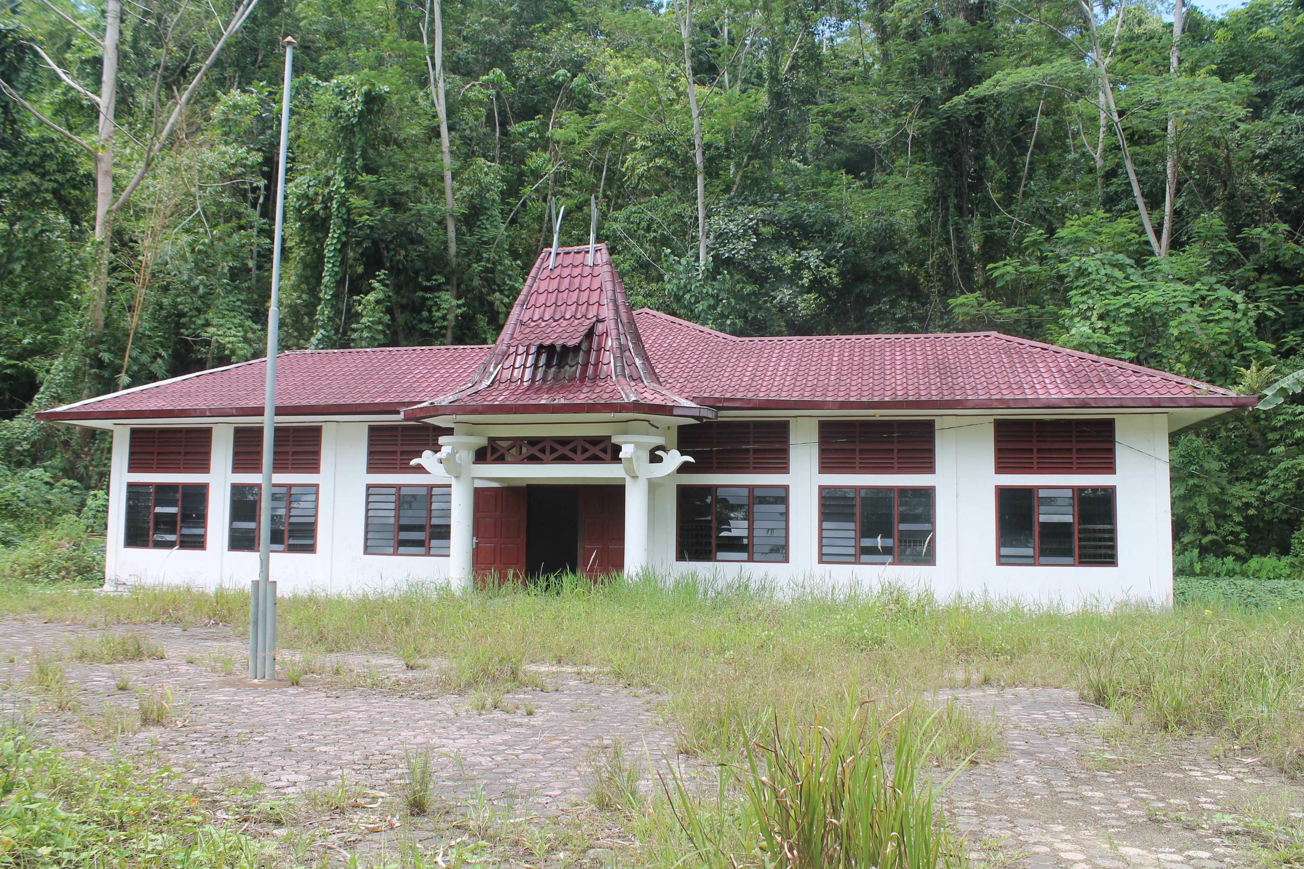 Bangunan Kantor Camat Gunungsitoli Selatan Sudah Lama Telantar